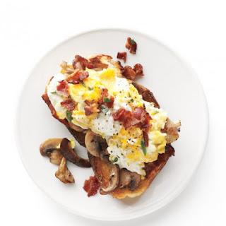 Mushroom-Garlic Toasts