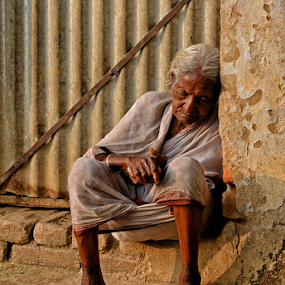 Lifeless by Kaushik Dolui - People Street & Candids ( people )