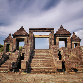 Ratu Boko by R Siswanty - Buildings & Architecture Statues & Monuments