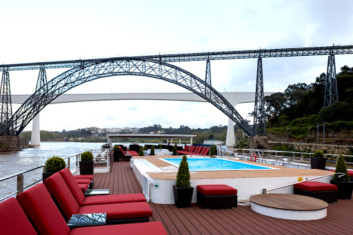 AmaVida-sundeck-pool - Take in sweeping views of Portugal's breathtaking Douro River Valley from the best possible spot: the sundeck pool aboard AmaVida.