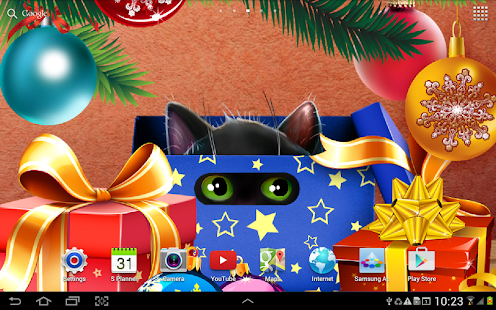 Kitten on Christmas Wallpaper Screenshot