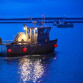 Night Run by Capt Jack - Transportation Boats ( rush, waves, boats, alaska, storm, run, tides, reds, bay, sockeye, current, money, tide, salmon, big, bristol )