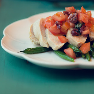 Chicken Salad with Tomatoes, Olives, and Green Beans.