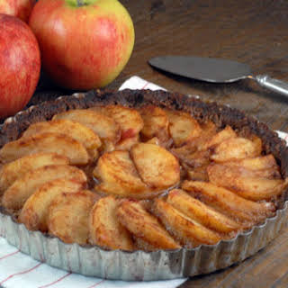 Cinnamon Apple Tart with Pecan Crust.