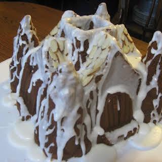 Gingerbread Tunnel Cake.