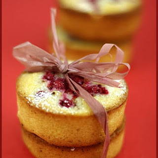 Red Currant Mini Cakes.