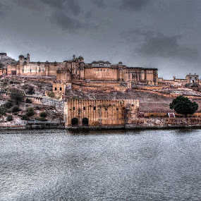Let the sky to mold into water by Ashish Garg - Buildings & Architecture Public & Historical (  )