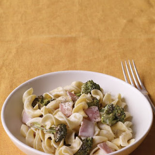 Creamy Pasta with Ham and Broccoli