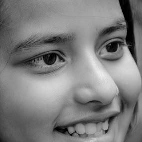 Innocent Face by Suman Nag - Babies & Children Child Portraits ( child, moods, innocent, immotion, portraits,  )
