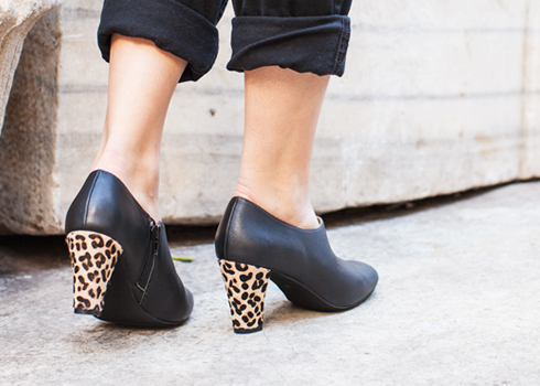 Leopard hair and black ankle boot