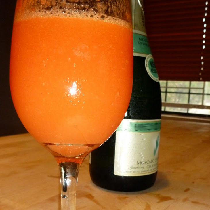 Frosted Ginger Peach Bellini Recipe