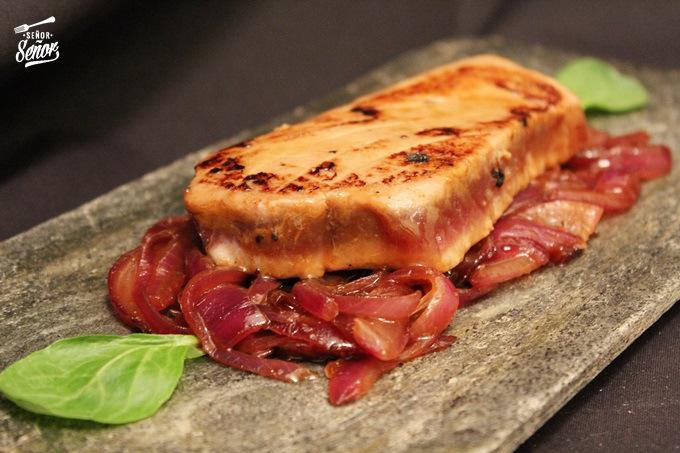 Tuna Steak with Caramelized Onion in Teriyaki Sauce Recipe