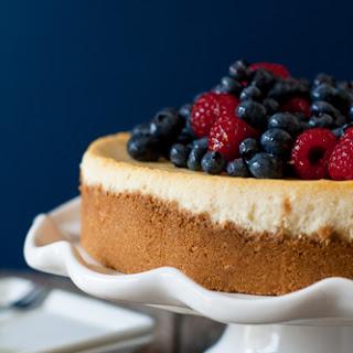 Lemon Cheesecake with Fresh Berries