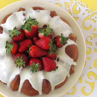 Pound Cake with Strawberry Coulis.