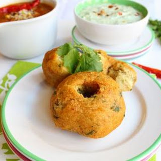 Medu vada (South Indian lentil doughnuts)