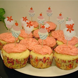 Vanilla Cupcakes with Strawberry Buttercream