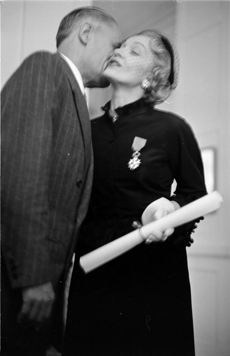 Marlene Dietrich Gets French Medal