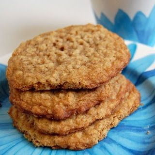 Old-Fashioned Oatmeal Cookies (thin and buttery)