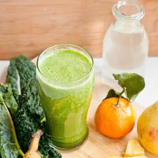 Kale Sunrise Green Smoothie.