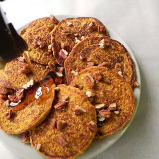 Vegan Pumpkin-Oat Blender Pancakes.