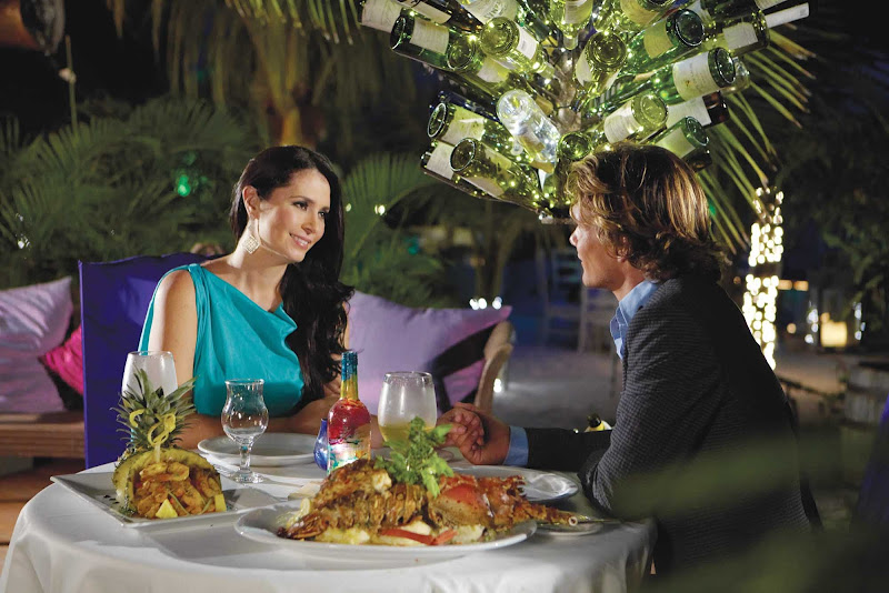 Aruba offers countless settings for a romantic dinner.