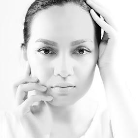 Colorless Beauty by Muhammad Fairuz Samsubaha - People Portraits of Women ( monochrome, girl, anat, camera, white, beauty, photo, women, fairuz, black )