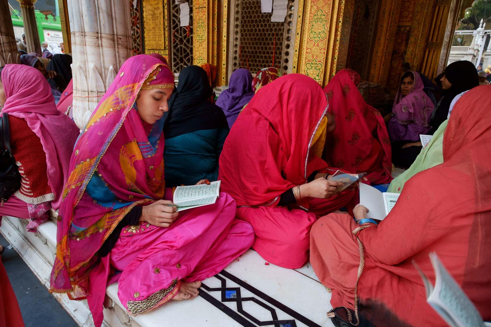 Evening Prayers, Nizamuddin Dargah, Delhi India