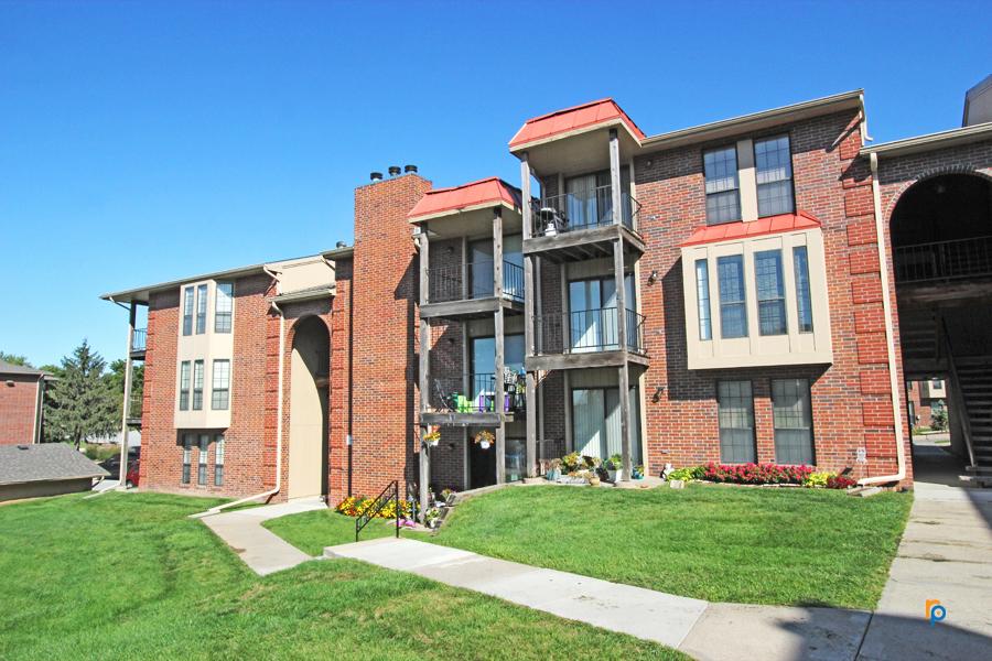 Tara Hills Villas Apartments Papillion Nebraska Ninja