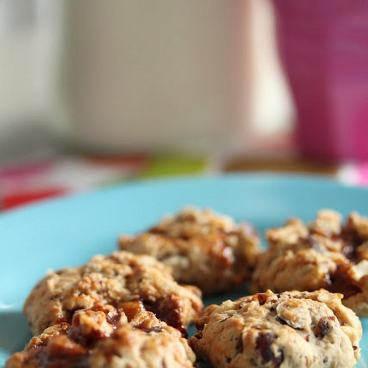 Soft Hazelnut Cookies filled with Dulce de Leche