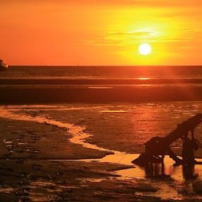 sunset time by Edwin Yepese - Landscapes Sunsets & Sunrises ( sunsets & sunrise, backgrounds, novices only, landscapes )