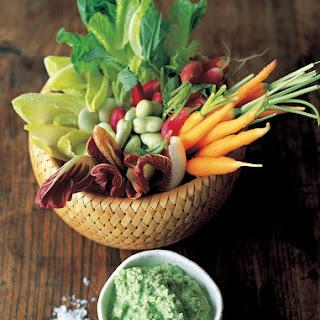 Cool Crudite Veggies With A Minted Pea & Yoghurt Dip