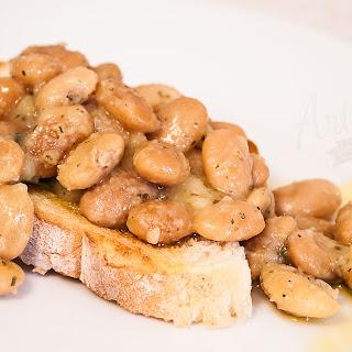 Pressure Cooker White Beans.