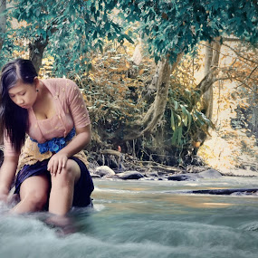 Gadis Bali 2 by Andy Photowork - People Portraits of Women