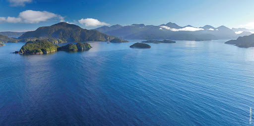 Silversea-Silver-Discoverer-Dusky-Sound - Silver Discoverer takes you through beautiful Dusky Sound in Fiordland National Park when you sail to New Zealand.