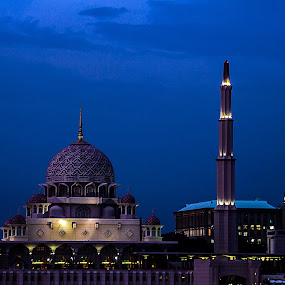 Mosque Of Putrajaya by Eddy Ahmad - Buildings & Architecture Places of Worship
