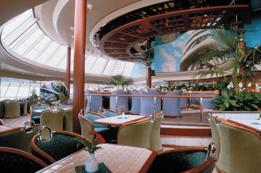 Splendour-of-the-Seas-Windjammer-Cafe - There's something for everybody at the Windjammer Café buffet, on deck 9 of Splendour of the Seas.