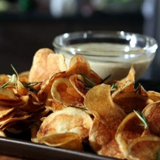Chips with Blue Cheese Fondue