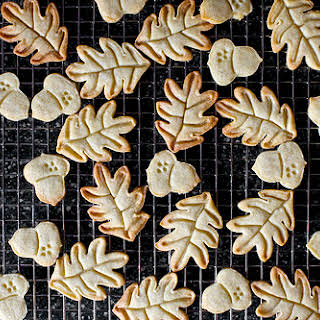 Nutmeg Maple Butter Cookies.