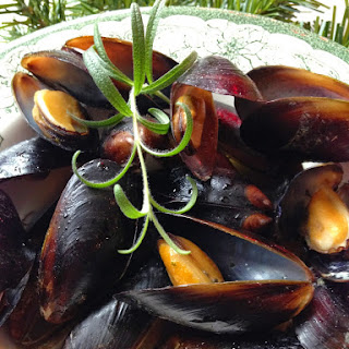 Mussels in White Wine and Garlic Butter Sauce.