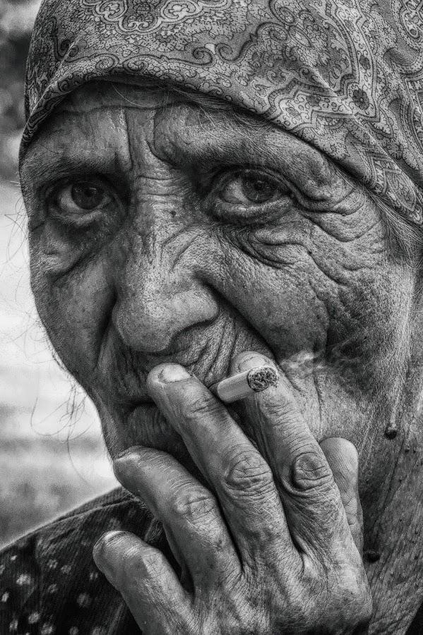 Smoking by Maja  Marjanovic - Black & White Portraits & People ( smoking, old woman, women, people, eyes,  )