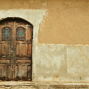 Puerta Antigua by Siggy In Costa Rica - Buildings & Architecture Architectural Detail ( old, wood, door, nicaragua, granada, wall, weathered,  )