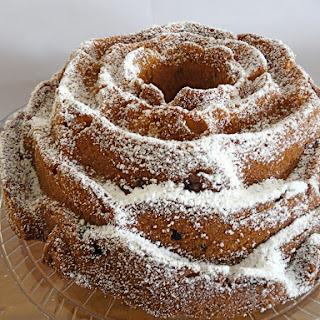 Snack Pumpkin-Cranberry Cake