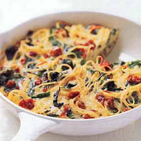 Spaghetti Pie with Pecorino and Black Pepper Rezept | Yummly