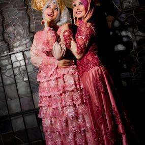 Chain Reaction by Hendra Sulistyawan - People Fashion