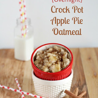 {Overnight} Crock Pot Apple Pie Oatmeal.