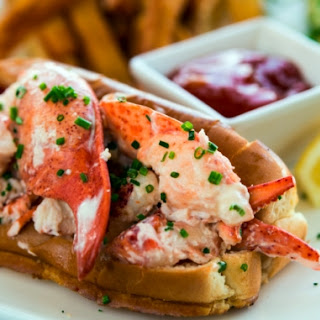 MC Perkins Cove Lobster Roll