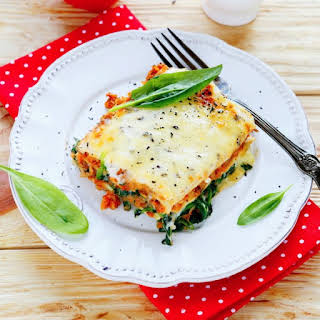 Slow Cooker Cheesy Spinach Lasagna.