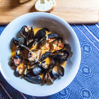 Coconut-Curry Mussels | #SundaySupper