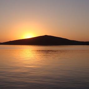 tramonto alle incoronate by Francesco Benettolo - Landscapes Sunsets & Sunrises ( mare, sogno, tramonto, incoronate, paesaggio )