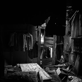 Abandoned by Jacob Council - Black & White Buildings & Architecture ( 50's, black and white, house, abandoned )